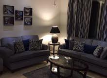 شقة مفروشة حديثة طريق المطار  حي النخيل172 م2 ايجار سنوي او 6 اشهر تلفون 0799009