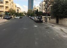 شقه جديده لم تسكن في السابع مساحه 120م بسعر 68 الف طابق اول