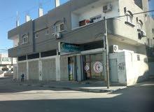 للبيع عمارة كبيرة من 6 شقق و5 حواصل على 3 شوارع في دير البلح عرض تجاري