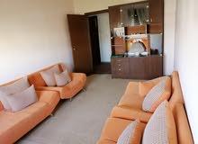 شقة في الظهرة الدور التالي اتنين الديار وسط حوش وحمام ومطبخ