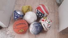 كرة القدم نظيف جدا بس نفخ يرادله دميات حسب الحجم كل واحد نظيف جدا مكناسه كهربائي
