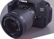 كاميرا كانون 700D للبيع .. بحالة ممتازه ونظيفه جدا .. مع كامل ملحقاتها +ستاند