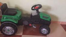لعبة جرار ابو عجلات يتكون من قطعتين جديد استعمال اقل من 6 اشهر قابل للتفاوض