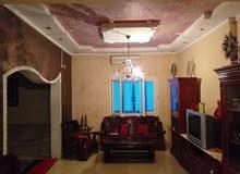 منزل ارضي ومعه ملحق بجنزور شهداء عبد الجليل الف وباء