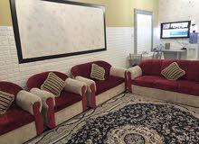 بيت للايجار غرفتين وصالة ومطبخ واسع وحمام و امامه مساحة ومدخل خاص