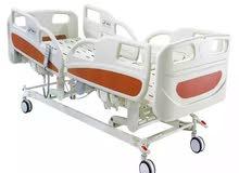 سرير طبى كهربائي. للمرضى وكبار السن.