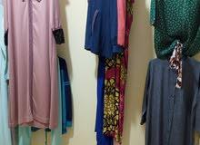 بيع ملابس متنوعة للنساء والاطفال