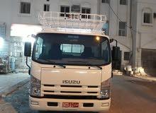 تتوفر لدينا شاحنات نقل بضائع أربعة طن