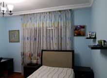 شقة مميزة للبيع بسعر مغري في ام السماق خلف شركة بيجو شارع مكة