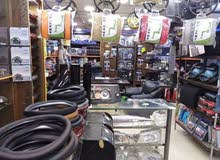 محل زينة سيارات مع الأغراض كاملة للبيع لعدم التفرغ