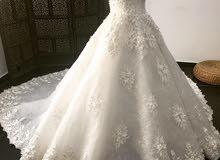 فساتين زفاف وسهرة