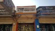 للبيع لايفوتك محل جوالات متكامل موقع تجاري في صنعاء شارع القصر مع غرفة صيانة متك