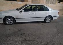 BMW 520 فحص سيارته نظيفه حتى الموتور جديد مع البيان سياه نظيفه
