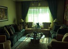 شقة طابق ثاني مفروشة للبيع في ضاحية الرشيد , مساحة البناء 146م