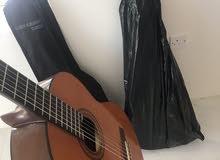 جيتار اسباني ياماها اصلي مع الشنطه