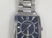 للبيع ساعة جيفينشي مستعملة