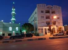 بسعر مغري للجادين بجانب أسواق إسطنبول بناية عفان على الشارع الرئيسي بجانب مسجد خ