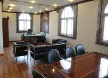 مكاتب مؤثثة ومجهزة بالكامل للإيجار( الشهري – السنوي ) بمساحات مختلفة