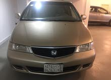 Gold Honda Odyssey 2000 for sale