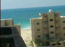 للبيع شقة بالإسكندرية بشاطئ الصفاة علي البحر