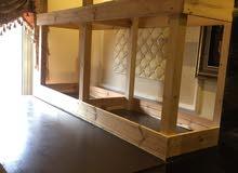 طاولات خشبية للمشاغل والمعامل مستعملة للبيع