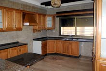 رقم العرض ( 8806 ) للبيع او الأيجار شقة سوبر ديلوكس فارغة في منطقة الصويفية 3 نوم مساحة 200 م²