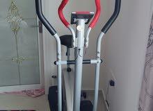دراجه غير متحركه  لكمال الاجسام مستخدمه اقل من سنه