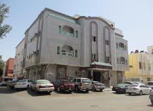 عمارة للبيع 3 ادوار بالصفا خلف سوق المرجان 12 سنه مكونة من 23 شقه مساحة 500 متر