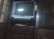 بوفيه +طابعه كمبيوترhp+تلفزيون +ثلاثة اقفاص
