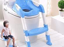 كرسي لتعليم الاطفال دخول الحمام