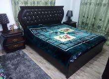 غرفة نوم بحالة ممتازة للبيع