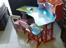 مكتب مع كرسي أطفال