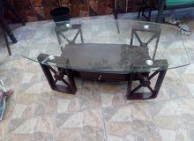 طاولة وسط أجنبي