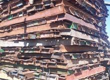 للبيع سقالات + ستور كبير يحتوي على كامل معدات البناء في مزيد