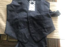 احزيه وملابس جديده لم تستعمل - ماركات مختلفه - تصلح من سن 10 الي 12 سنه