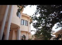 Villa for rent in A'ali and large and characteristic location quiet and close to
