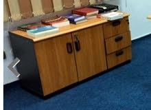 مطلوب ملحق مكتب ذات ادراج بالقفل و خزائن ملفات