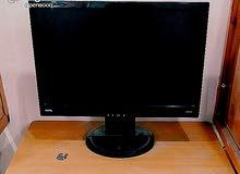 شاشات كمبيوتر مسطحة  للبيع العدد 7 بحالة ممتازة مع مخرج صوت