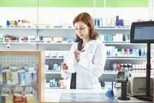 مطلوب صيدلي او طبيب بشري للعمل بصيدلية