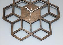 ساعة حائط بتصميم كلاسيكي رائع
