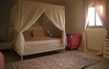 غرفة نوم لون أبيض