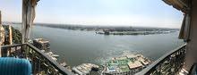 شقة على النيل مباشرة بالمعادى للبيع بسعر محروق لظروف السفر بجوار جراند كافية