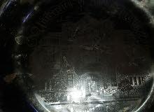 صحن مع ليرة من الفضة قديم