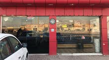 مطعم برجر للبيع في راس الخيمه جولان شارع حيوي اجاهر مع معدات و ترخيص