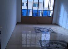 شقق غرفتين وصالة وغرفة خادمة عائيلات مساحات كبيرة بالمهبولة