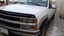 White Chevrolet Suburban 1998 for sale