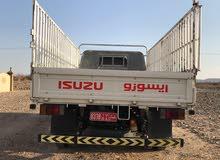 شاحنة ايسوزو2015 3طن . فل نظافة