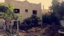 بيت مستقل مقسم الى طابقين (الجويده-حي الباير)
