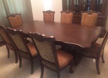 طاولة طعام 8 كراسي مع البوفيه