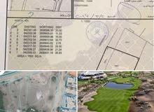 ارض سكنية مطلة على ملعب جولف بوشر